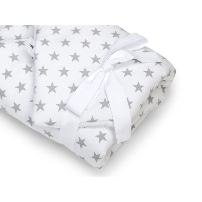 Pastelowy Rożek niemowlęcy bawełniany wiązany Szare Gwiazdeczki dla chłopca