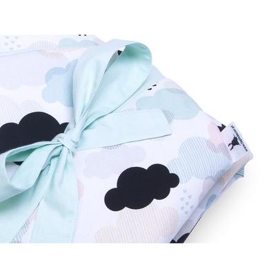 Pastelowy Rożek niemowlęcy bawełniany wiązany Pastelowe Chmurki dla chłopca