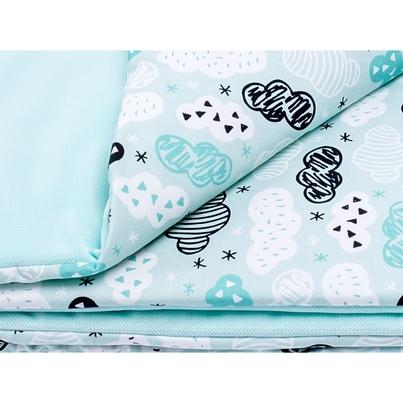 Bawełniany Kocyk Velvet dla niemowlaka - Chmurki na mięcie 75x100 do wózka, fotelika i łóżeczka.