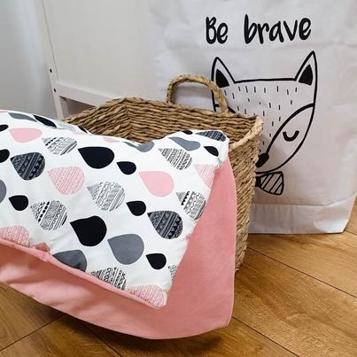 Bawełniany Kocyk Velvet dla niemowlaka - Krople I 75x100 do wózka, fotelika i łóżeczka.