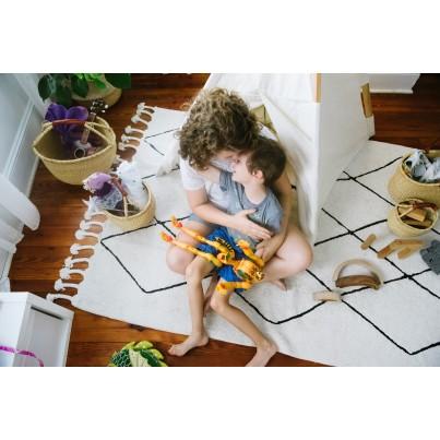 Dywan dziecięcy 140x200 - Beżowo-Czarny - Bereber Beige Lorena Canals do pokoju dzieci