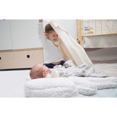 Dywan dla niemowlaka 120x160 - Puffy Wings Lorena Canals do pokoju dzieci
